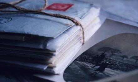 Combien de temps La Poste garde-t-elle un recommandé dans son bureau ?