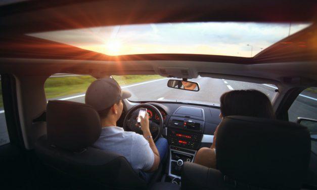Comment installer un siège-auto avec une ceinture de sécurité sans se tromper ?